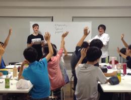 J Prep 挙手して発言する授業