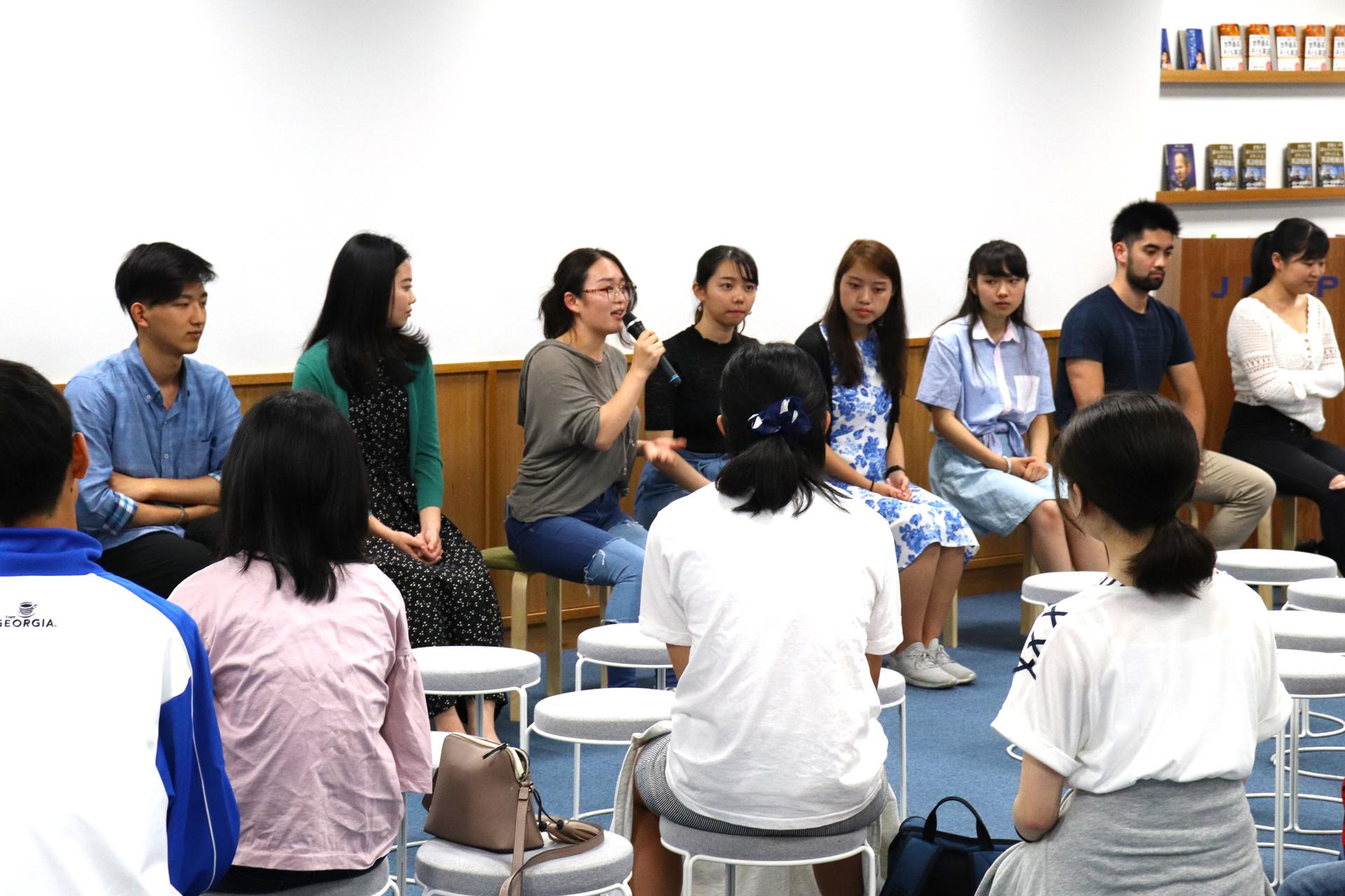 卒業生座談会01